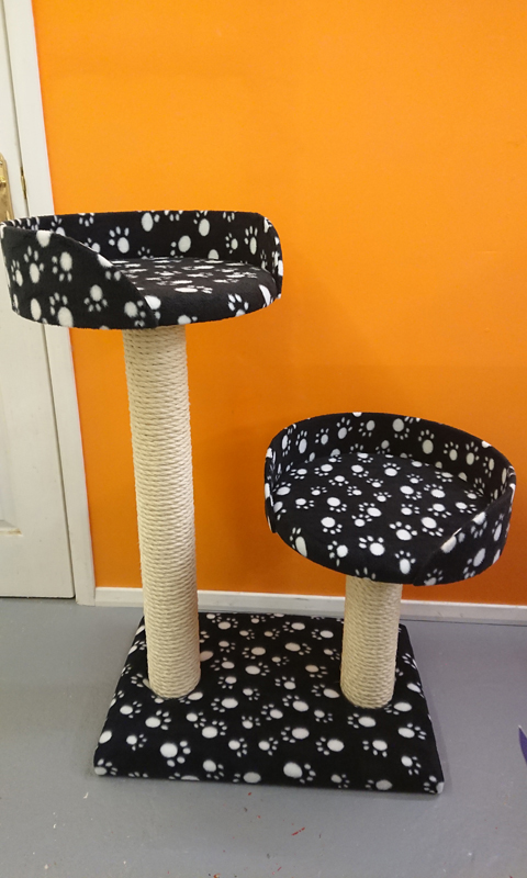 Large Twin Bed Cat Scratching Post | ScratchyCats