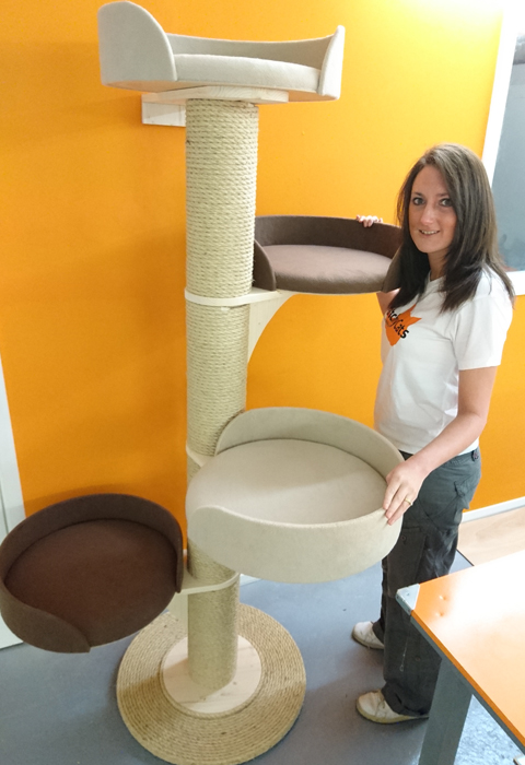 Modular Cat Tower System with 4 Scratching Post Sections and 4 Large Beds | ScratchyCats