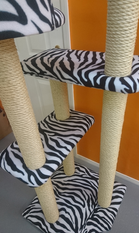 Luxury Large Cat Tree Furniture with 2 Cat Beds | ScratchyCats