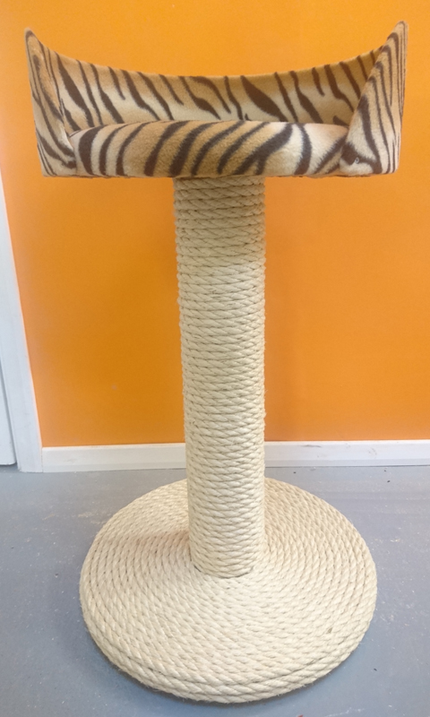 100% Sisal Large Cat Scratching Post with Tub Bed | ScratchyCats