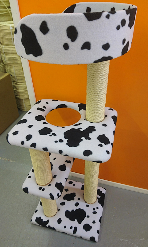 Compact 4ft Tall Cat Tree with Tub Bed | ScratchyCats