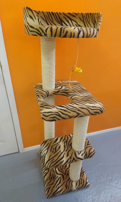 Cat Tree 025   ScratchyCats