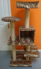 Tiger Cat Scratching Post | ScratchyCats